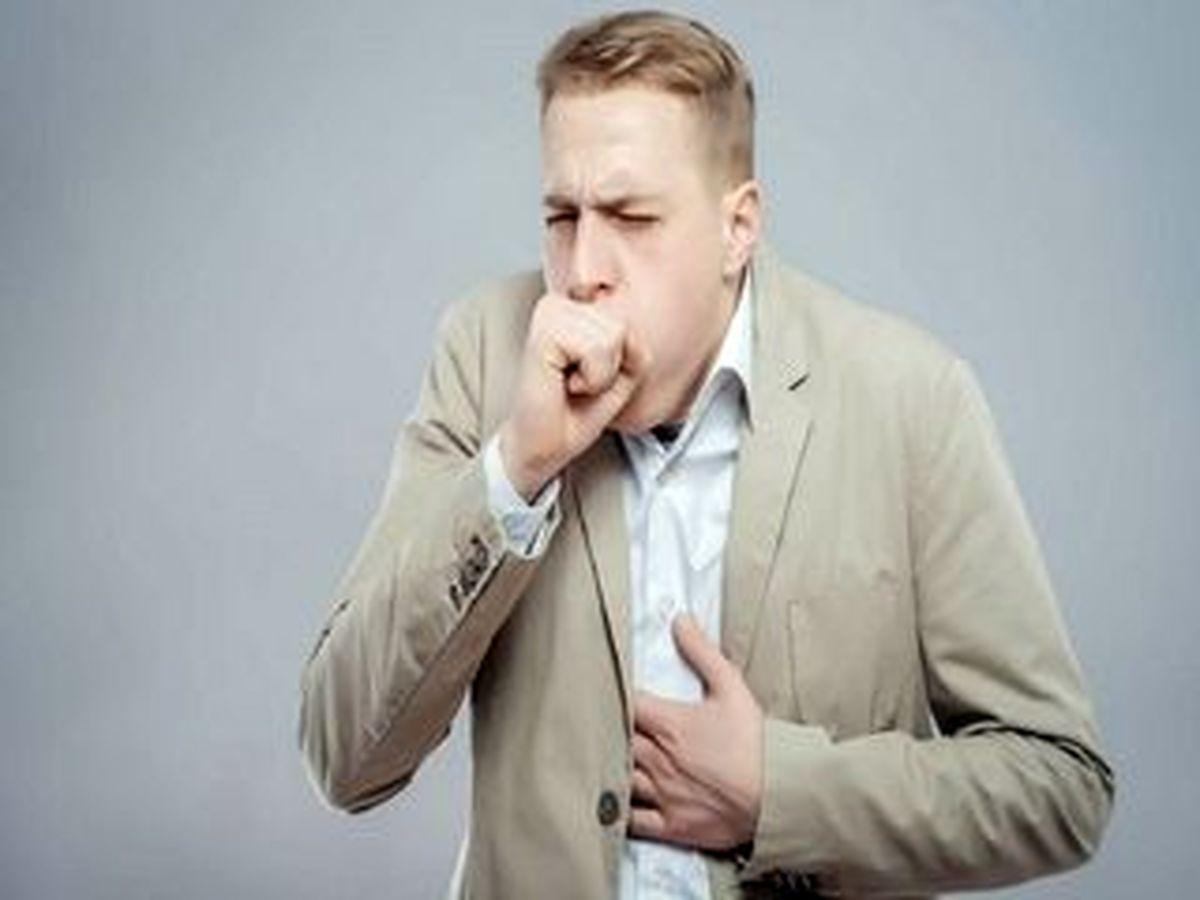 8 نشانه که سرفه تان ناشی از یک مشکل جدی است