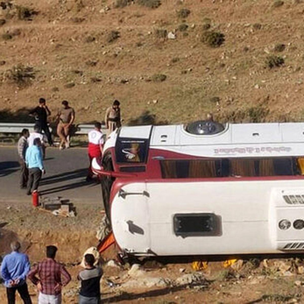 روایتهای تکاندهنده بازماندگان حادثه واژگونی اتوبوس خبرنگاران
