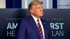 ترامپ: بایدن در حال تعظیم به ایران است