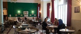 کافه نادری ؛  یکی از قدیمیترین کافههای پایتخت