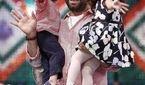 دوقلوهای مجید صالحی و همسرش در خارج از کشور! +تصاویر خانوادگی